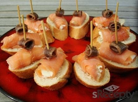 Pincho de queso y salmón