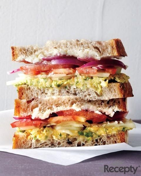 Sandwich de ensalada griega