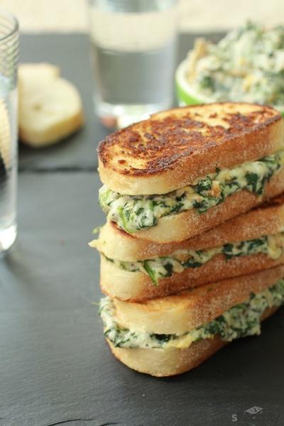 Sandwich de espinaca y alcachofa