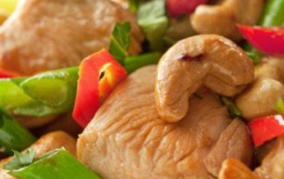 Pollo con brócoli y castañas