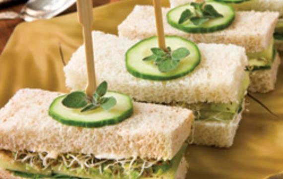 Sandwich de palta y pepino