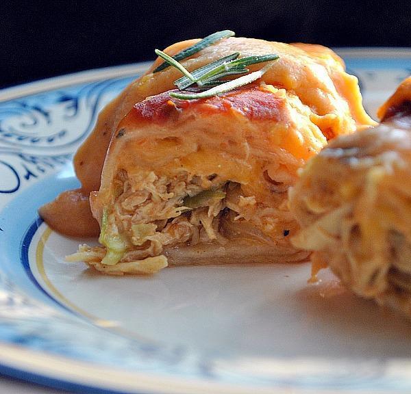 Enchiladas rellenas de pollo