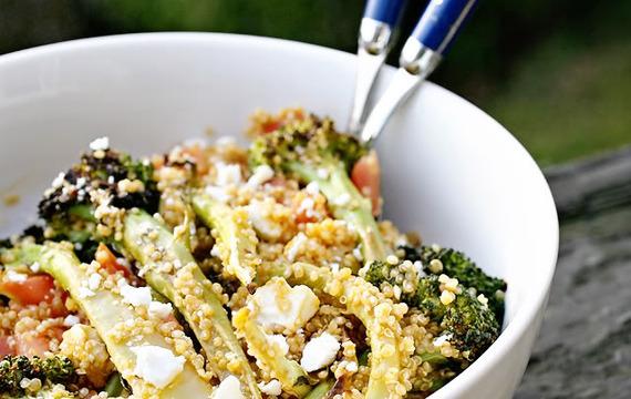 Ensalada de brócoli asado y quinoa