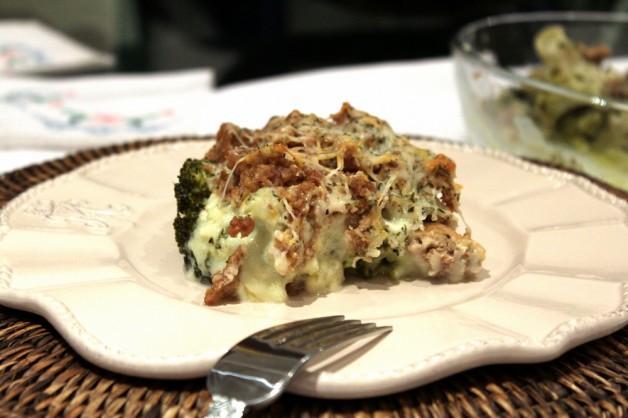 Brócoli gratinado con carne picada