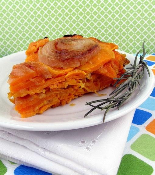 Tarta invertida de batata y cebolla