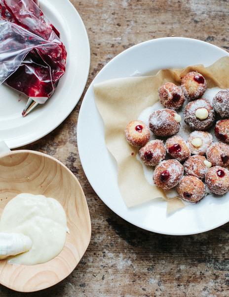 Bombolini con mermelada de cereza