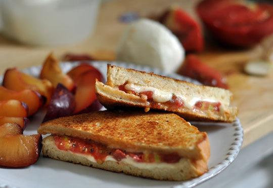 Sandwich de tomate y mozzarella