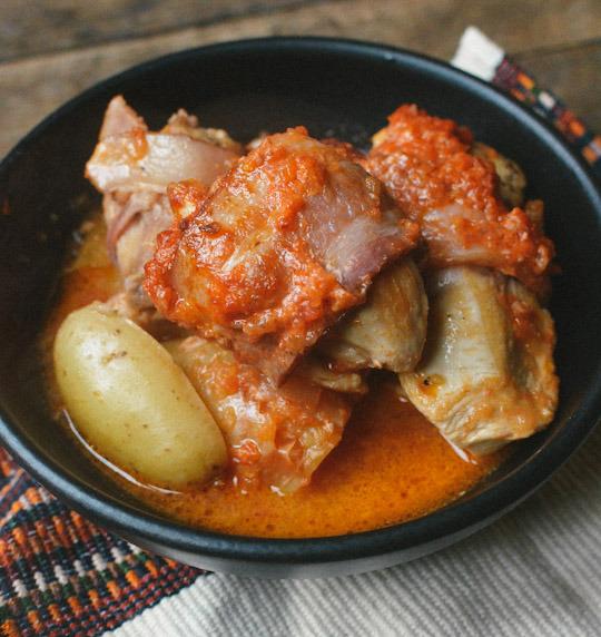 Pollo al horno con tocino
