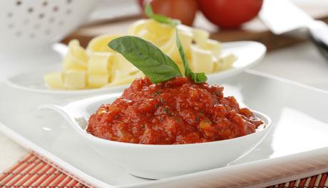 Salsa simple de tomate y albahaca