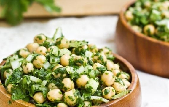 Ensalada de garbanzos y cilantro
