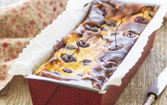 Torta de queso y cerezas