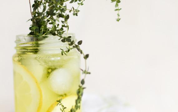 Spritz de limón y tomilllo