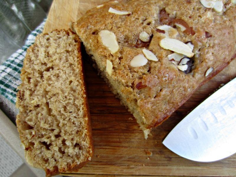 Pan de higo y almendras
