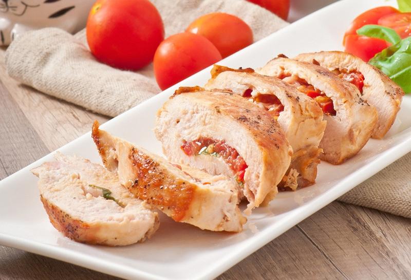 Pechugas de pollo rellenas con tomate