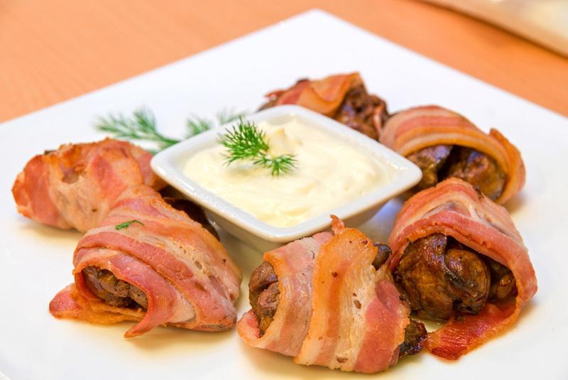 Bocaditos de pollo y bacon al horno