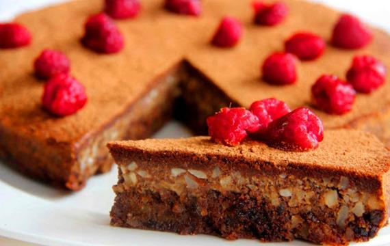 Torta de chocolate y frutos secos