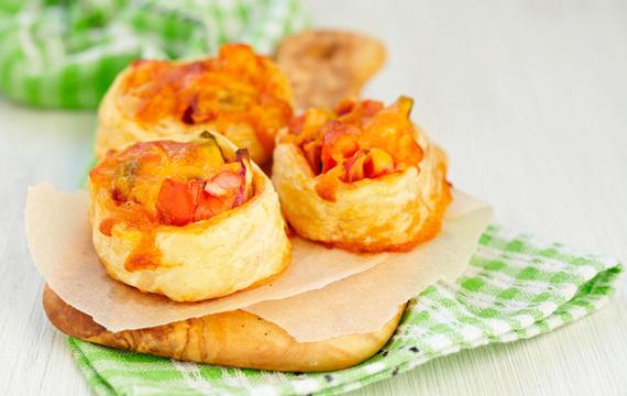 Tarteletas de jamón, queso y champiñón