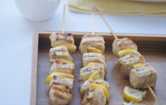 Pinchos de pollo al limón