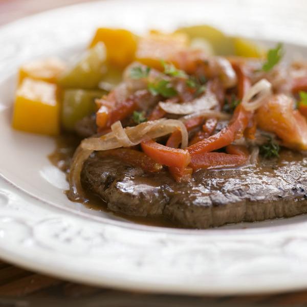 Bifes a la olla con verduras