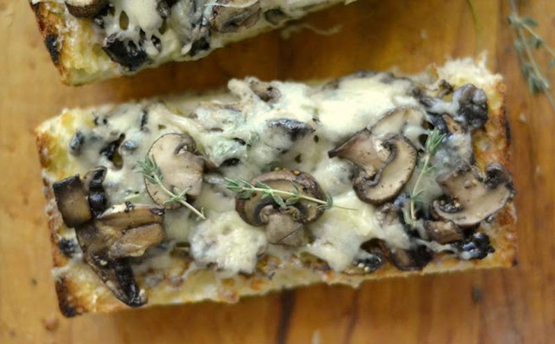 Tostadas de champiñón con queso