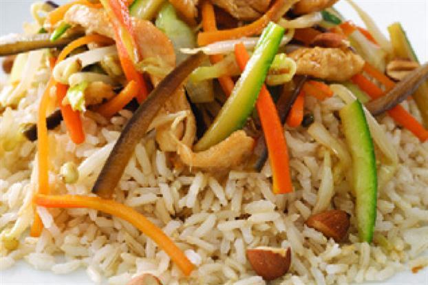 Wok de verduras y arroz yamaní