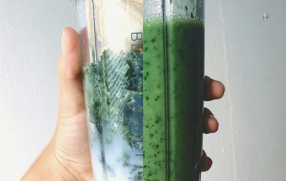 Smoothie verde de repollo rizado