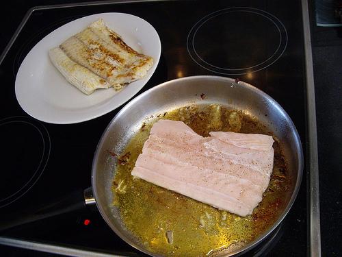 Filetes de tiburón en mantequilla