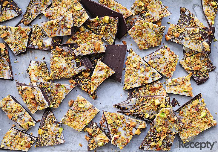 Bombones de chocolate y pistacho
